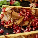 Tacos con Bio Jackfruit, humus y granada