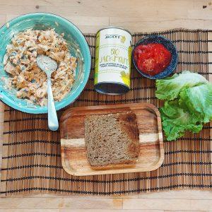 preparando receta No atún Sándwich con Jackfruit